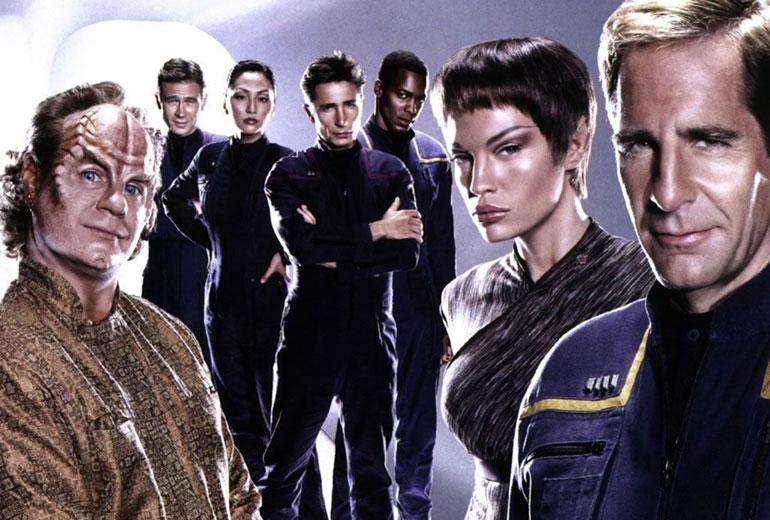Doktor Phlox, Trip Tucker, Hoshi Sato, Malcolm Reed, Travis Mayweather, T'pol ve Kaptan Jonathan Archer.