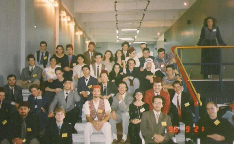 """Türkiye'nin bilinen ilk LARP'ı, Hasan Çolakoğlu, Alp Saldamlı ve Ferhan Ertürk yönetimindeki """"Pera Palas"""", 1998."""