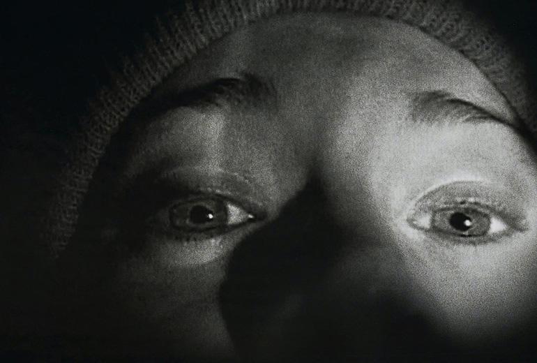 Blair Witch'in afişi olan ünlü monolog sahnesi ve Heather. Korkunun gözlerden yansıtılmasının en iyi örneklerindendir.