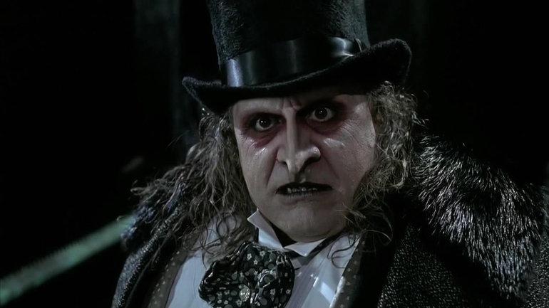 1992 yılında vizyona giren Batman Returns'de Penguin rolünde Danny DeVito.