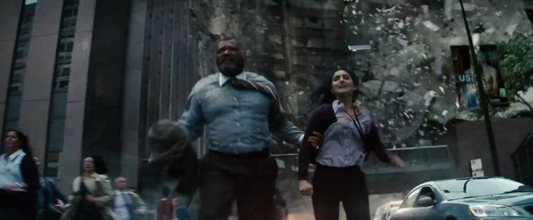 Superman ve hasımlarının Metropolis halkına  yaptıklarını şöyle bir hatırlayalım.