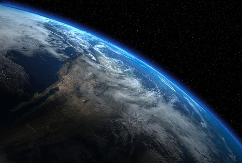 Biz yokuz mu orada sanıyordunuz? Earth-1218 biziz!