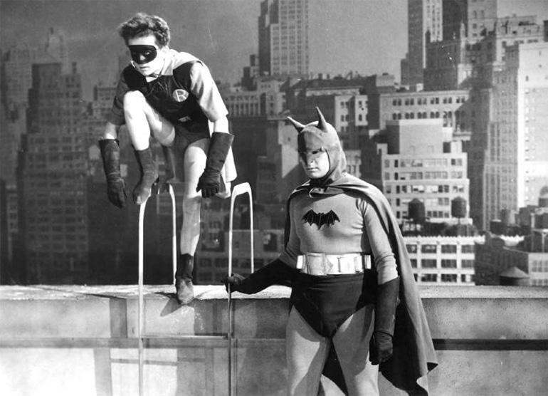 Batman rolünde Lewis Wilson (1943)