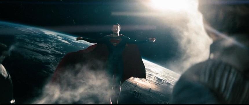 """""""Kolları açmadan duramıyorum"""" (Man of Steel)"""