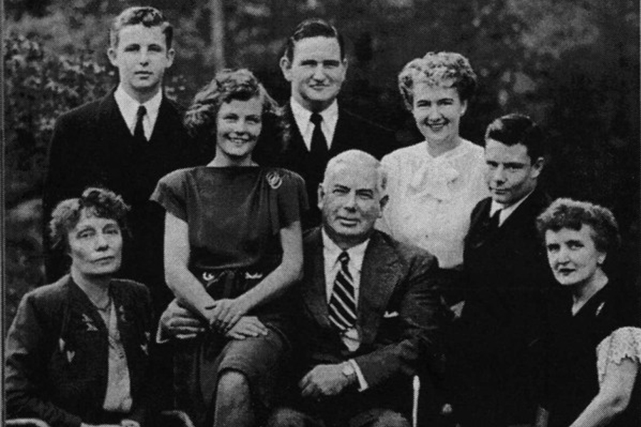 William ve Elizabeth Marston, Olive Byrne ve hepsinin çocukları.