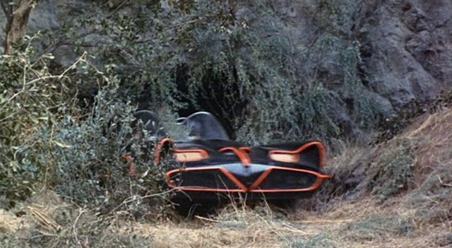 Batmobil, Batcave'den çıkıyor! (1966)