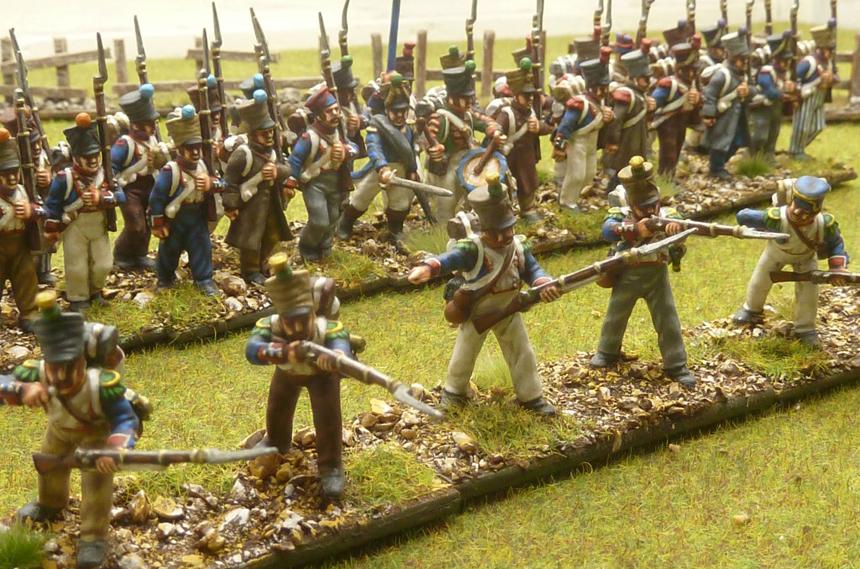 """Skirmisher kuralına sahip birimler genelde bu şekilde """"Line Infantry"""" birimlerinin önünde ilerleyerek onlara perdeleme yapar."""