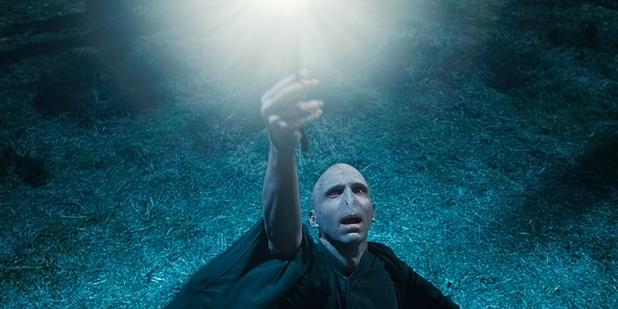Lord Voldemort'un görünmediği tek Harry Potter kitabı hangisidir?