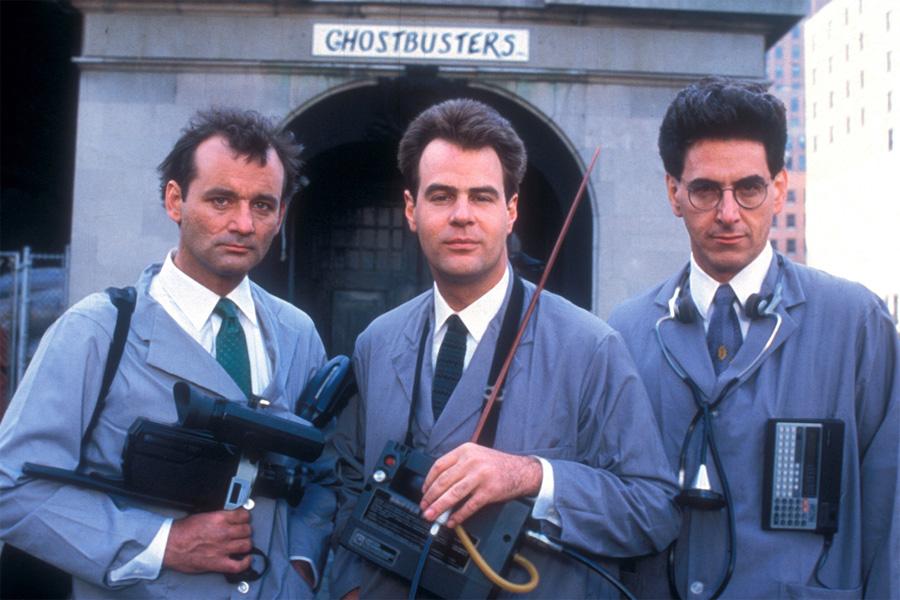 Peter Venkman (Bill Murray), Raymond Stantz (Dan Aykroyd) ve Egon Spengler (Harold Ramis)