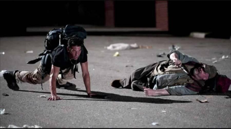 Shane'in Otis'i bacağından yaraladığı sahne.